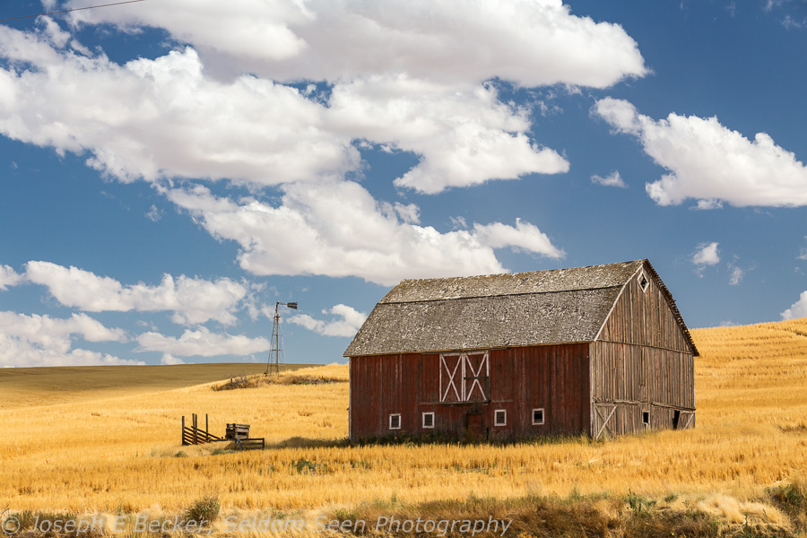 We found this nice red barn west of St. John on Highway 23