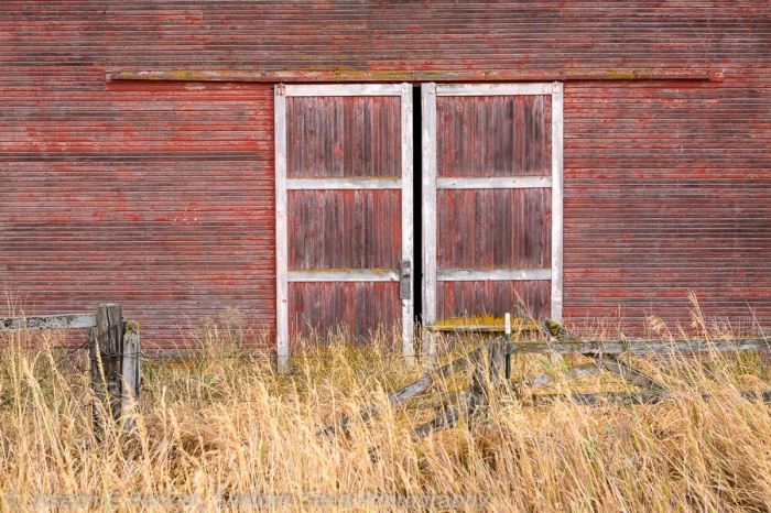 Red barn door, just south of Oakesdale