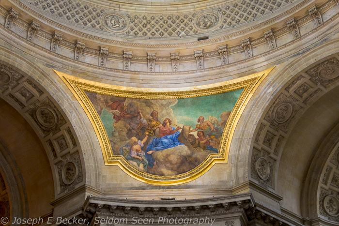 Painting above Napolean's Tomb; ISO3200, f/5, 1/100 sec