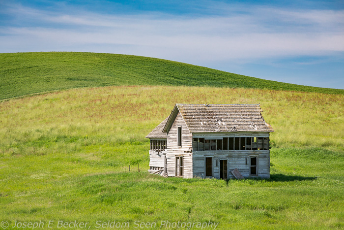 Abandoned house west of Oakesdale on Trestle Creek Road
