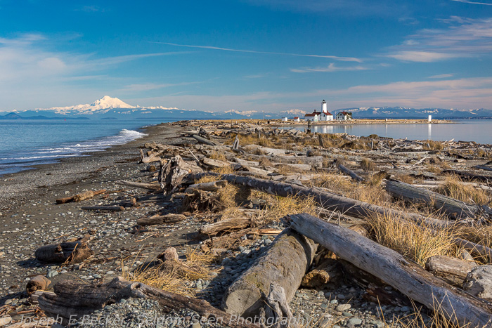 At some locations on the spit, you can get Mount Baker and the lighthouse in the same frame.
